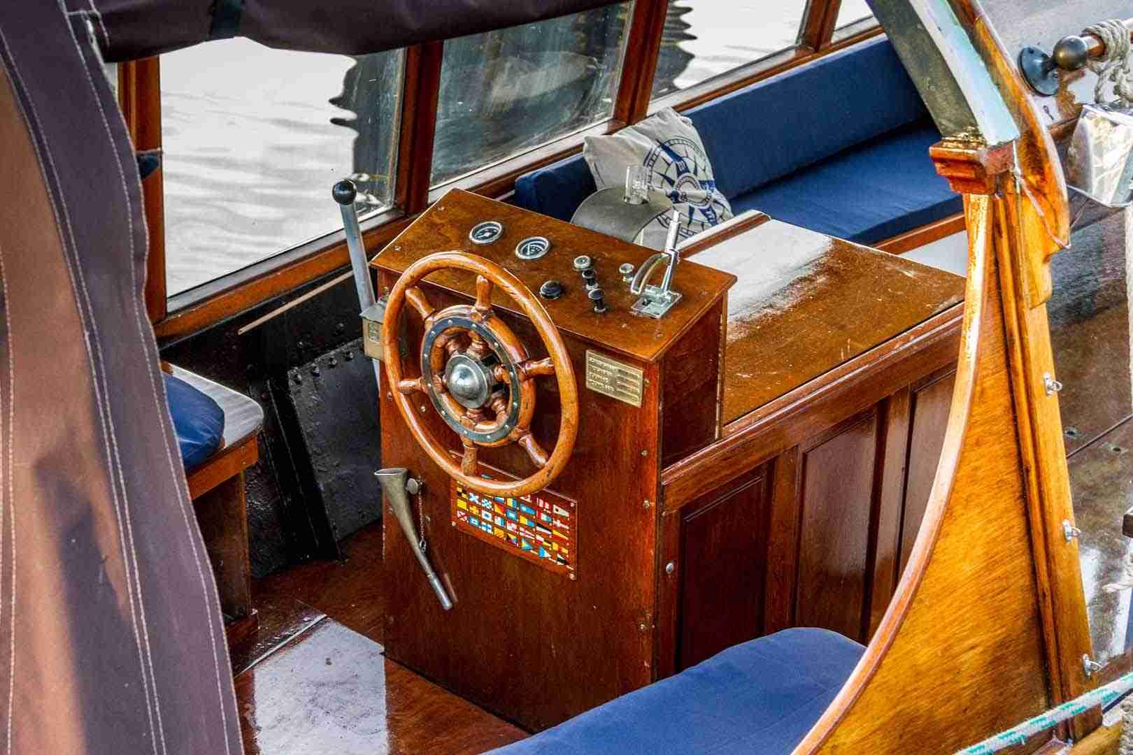 Salonboot stuurboord